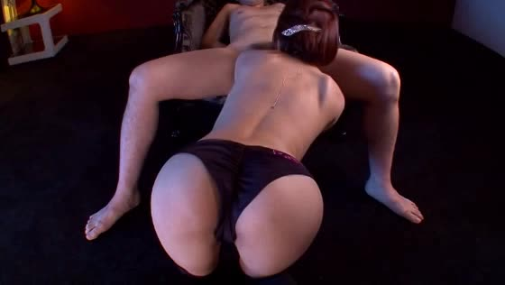 淫乱の痴女の逆レイプ無料ギャル動画。男性を見ると襲いたくなるド淫乱な巨乳痴女がMな男性を逆レイプして好き放題フェラチオでしゃぶり上げる!